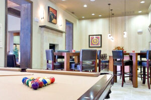 Palm Valley Apts Lounge2
