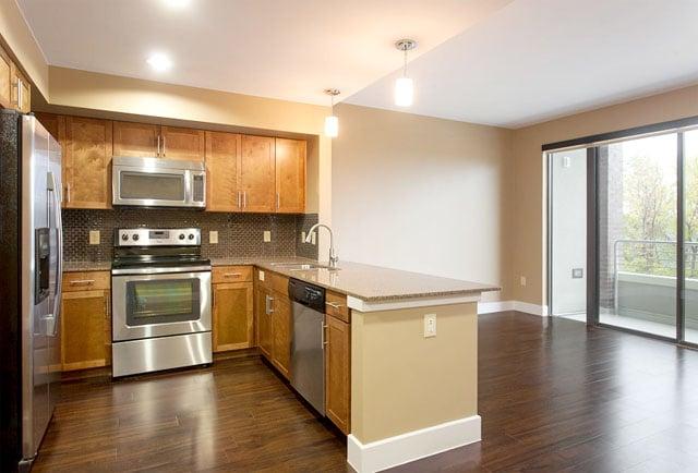 Riverview Apts Kitchen 3