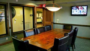 Platinum Lakeline Business Center