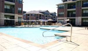 Platinum Lakeline Pool
