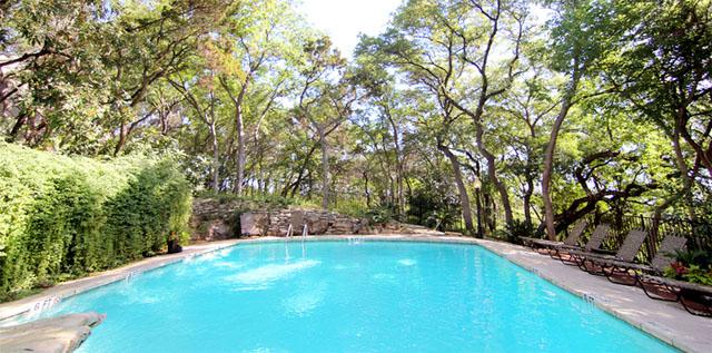 Windsor at Barton Creek Apts pool